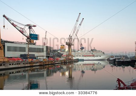 Dock ship