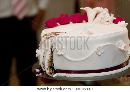 White Weeding Cake