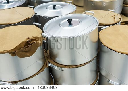 Aluminum Pan. Trade In Kitchen Utensils In A Household Goods Store.