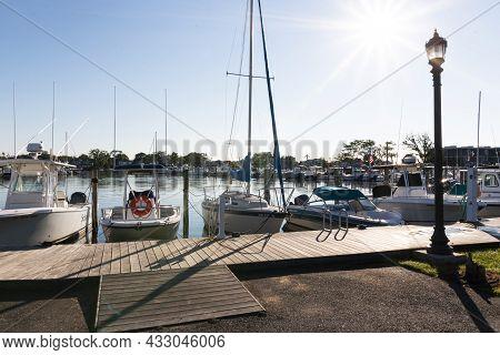Babylon, New York, Usa - 7 September 2021: A Marina In Babylon Village New York With Boats Docked In