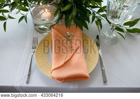 Served Table In The Restaurant. The Cafe Hall Is Waiting For Guests For A Festive Dinner. The Plate