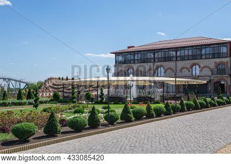 Hotel And Restaurant Old Bastion In Bender, Moldova