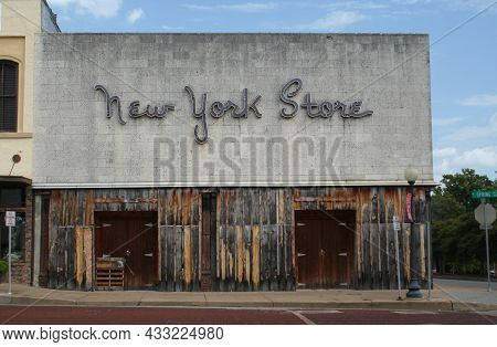 Tyler, Tx : New York Store Sign On Abandoned Building Located In Downtown Tyler, Tx