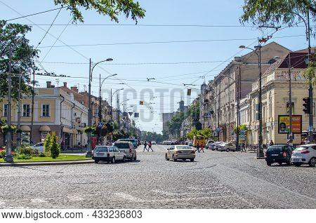 Odessa, Ukraine, September 22, 2019: People, Cars And Buildings In The Center Of Odessa.