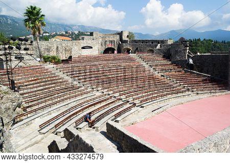 Herceg Novi, Montenegro - July 21, 2021: The Kanli Kula Fortress Was Built By The Turks. Open-air Am