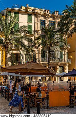 Palma De Mallorca, Spain; September 10 2021: Plaza De La Lonja In The Historical Center Of Palma De