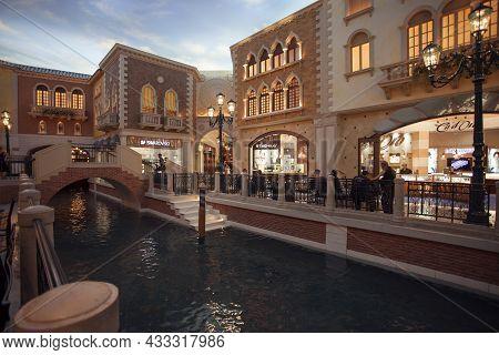 Las Vegas,nevada,usa -may 2014: Photo Of Venezia Hotel Interior. The Venetian Las Vegas Is A Luxury