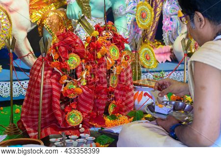 Howrah, West Bengal, India - 24th October 2020 : Goddess Durga Is Being Worshipped By Hindu Priest.