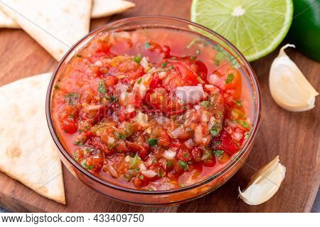 Salsa Asada Sauce With Roasted Vegetables, Served With A Tortilla Chips And Lime, Tex-mex Cuisine, H