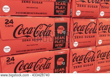 Cincinnati - Circa September 2021: Coca Cola Zero Sugar Display. Coke Products Are Among The Best Se