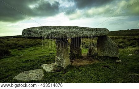 Lanyon Quoit - Dolmen In Cornwall, England, United Kingdom