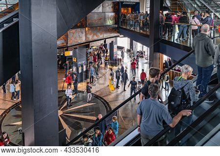 Belfast, Uk, Aug 2019 Crowds Of Tourists Visiting Titanic Museum. People Queue To Enter Exhibition,