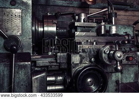 Old Metal Lathe In The Workshop, Metalworking, Machine Tools.