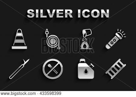 Set No Fire Match, Flashlight, Fire Escape, Canister Fuel, Metal Pike Pole, Bucket Extinguishing, Tr