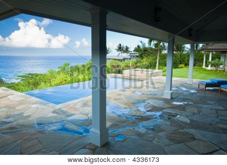 Breathtaking Hawaiian Ocean View Deck
