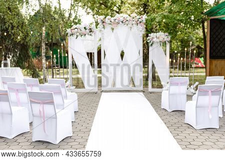 Beautiful Floral Compositions In The Restaurant For The Wedding Ceremony