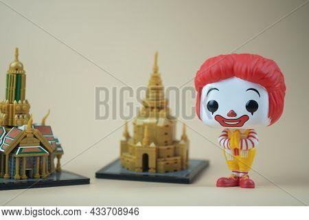 Bangkok, Thailand - September 22, 2021 : Cute Figurine Of Ronald Mcdonald's With Wai Pose. Thailand