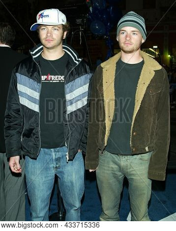 LOS ANGELES - APR 28: Danny Masterson and Chris Masterson arrives for the ÔX2: X-Men UnitedÕ Los Angeles Premiere on April 28, 2003 in Hollywood, CA