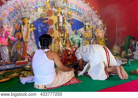 Howrah, West Bengal, India - 25th October 2020 : Goddess Durga Is Being Worshipped By Hindu Priests.