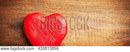 ter haert on wooden background