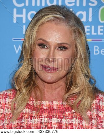LOS ANGELES - SEP 21: Kathy Hilton arrives for the 16th Annual Christmas in September Benefit on September 21, 2021 in West Hollywood, CA
