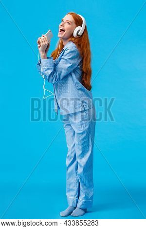Girl Dreaming Become Star. Vertical Full-length Portrait Charming And Carefree Redhead Teenager In N