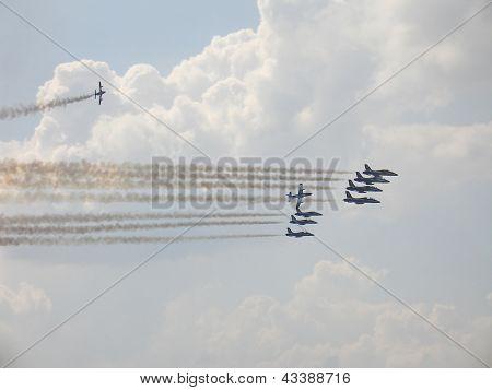 Frecce Tricolori On Aermacchi Mb-339 Flight