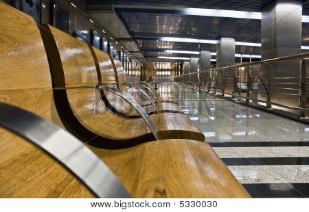 moderne u-Bahn Station hall