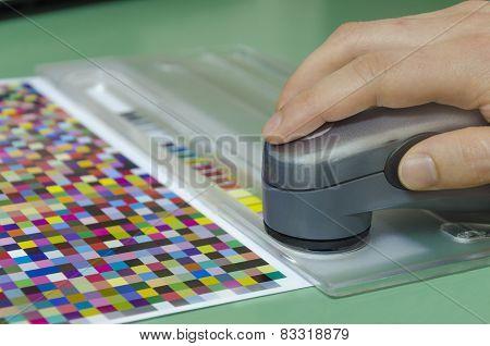 spectrophotometric measurement of color in printshop