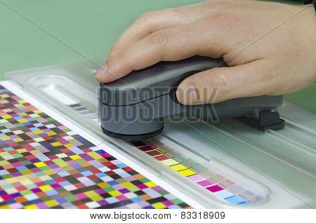 spectrophotometer verify color patches on Test Arch Press shop prepress department