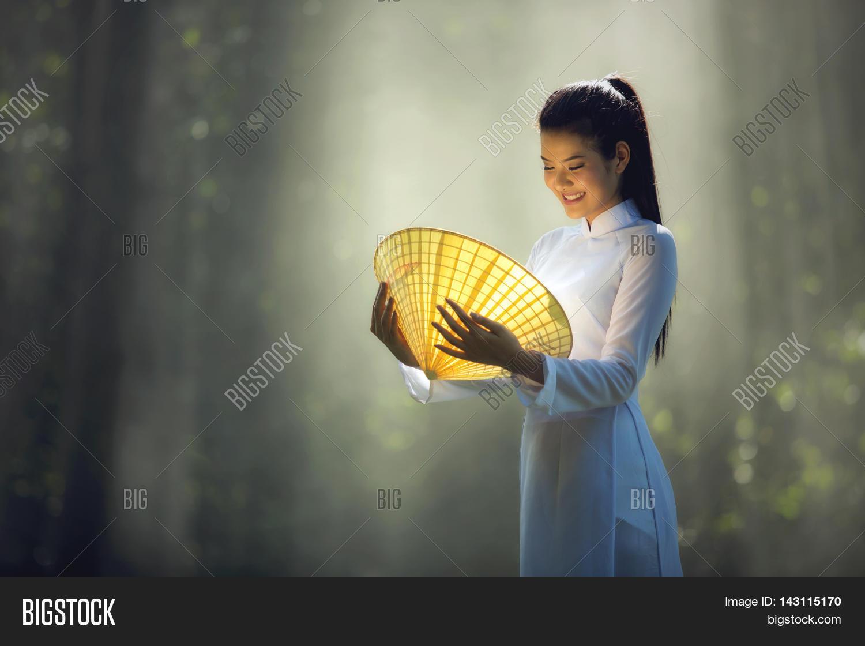 vietnamese girls in vietnam