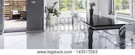 High Gloss Dining Area