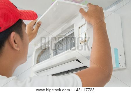 Maintenance Technician concept of air quality applications.
