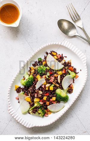 Thai Riceberry with pepper and broccoli salad