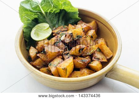 batata harra lebanese middle eastern spicy fried garlic herb potato snack food
