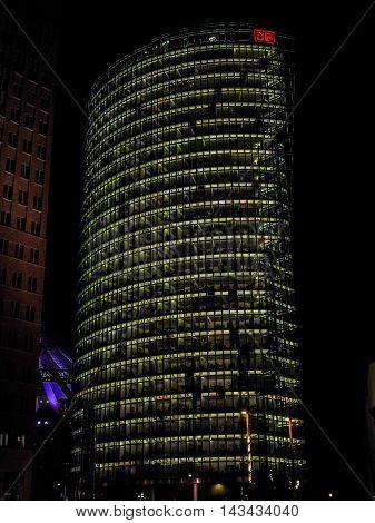 Bahn Tower In Berlin (hdr)