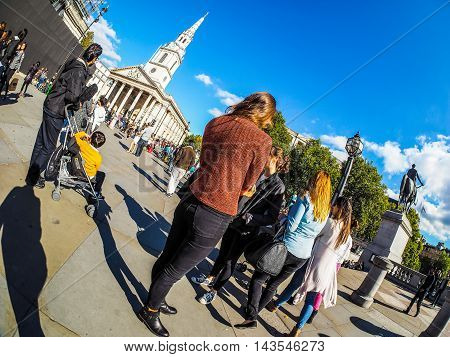 Tourists Visiting London (hdr)