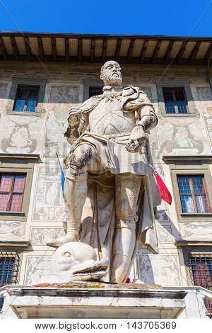 Statue In Front Of The Palazzo Della Carovana