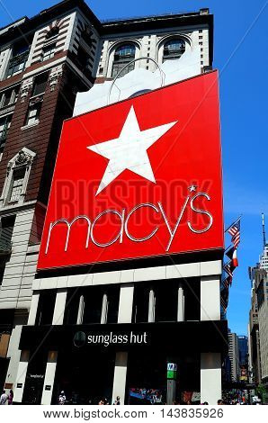 New York City - May 20 2016: Macy's the world's largest store at the corner of Broadway and West 34th Street in Herald Square - Xu Lei Photo