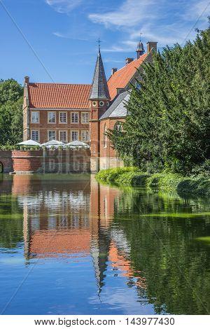 Burg Hulshoff With Park And Pond Near Havixbeck