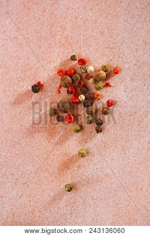 Five Peppercorn Mix Pink peppercorns, Black peppercorns, White peppercorns, Green peppercorns and Allspice whole