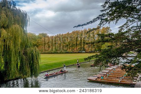 Cambridge, United Kingdom - 23 October, 2016:  Punting Boats With People Enjoying Punting On River C