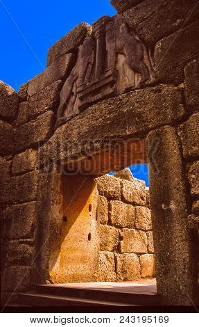 A Call To The Wild: Lions Gate The Only Sculpture Known Of Bronze Age Greece In Mycenae , Greece