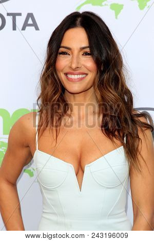 LOS ANGELES - MAY 22:  Sarah Shahi at the 28th Annual Environmental Media Awards at the Montage Beverly Hills on May 22, 2018 in Beverly Hills, CA