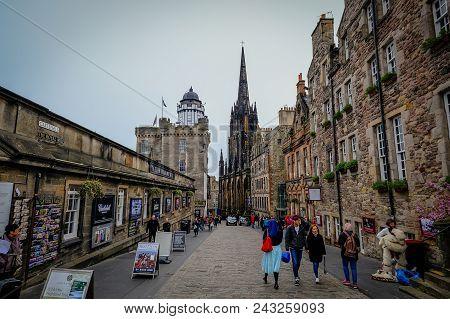 Edinburgh, Scotland - April 2017: Looking Down The Royal Mile In The Old Town In Edinburgh Scotland.