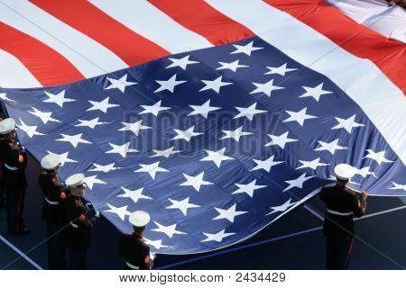 amerikanische Flagge auf uns öffnen