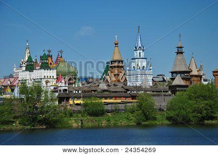 Izmailovo Vernissage en el estilo antiguo de Rusia