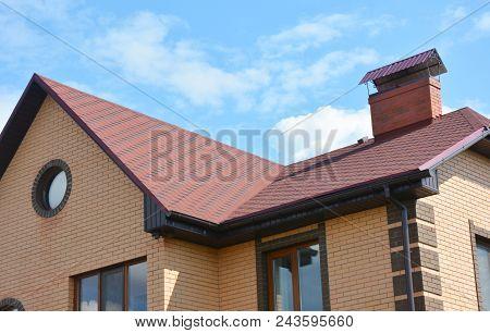 Asphalt Shingles House Roofing Construction, Repair. Problem Areas For House Asphalt Shingles Corner