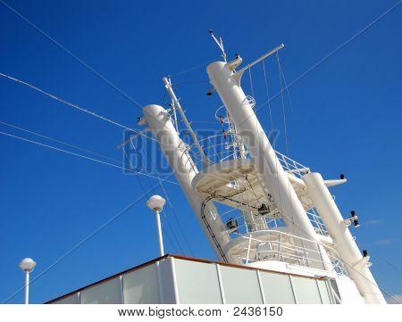 Cruise Ship Antenna
