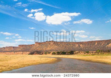 Lundi River